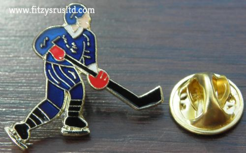 Ice Hockey Player Lapel Hat Cap Tie Pin Badge Souvenir Gift
